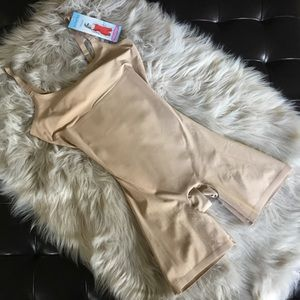Spanx Mid-Thigh Body Shaper Suit Small Very Bare